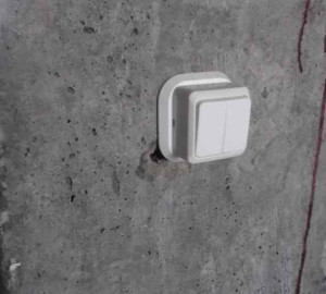 торчащий выключатель