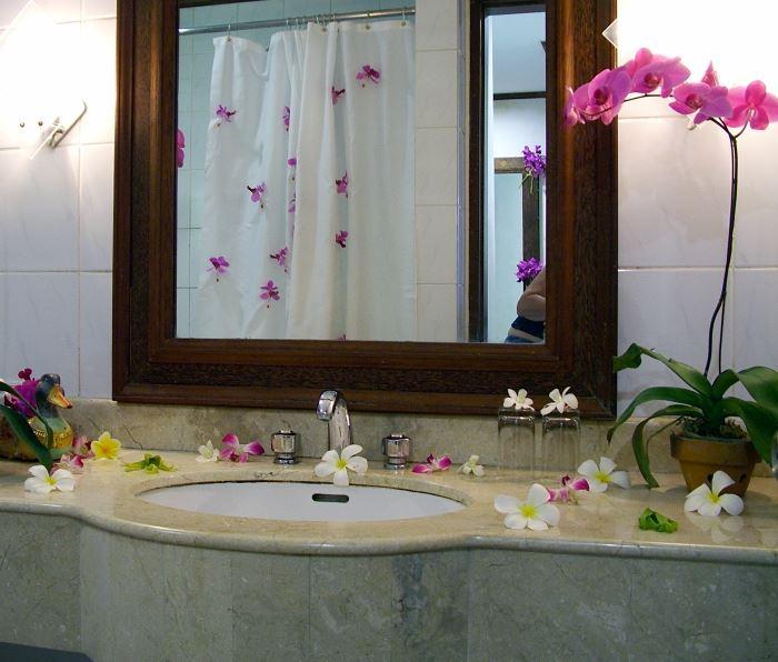 орхидея в ванной фото